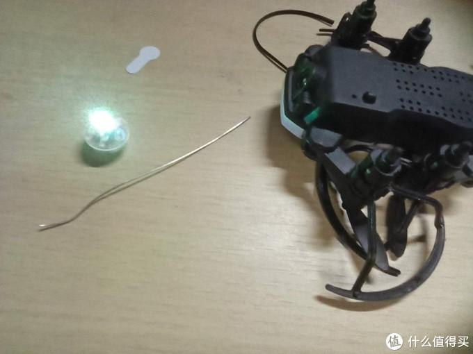 迷你四轴无人机大改造(挂上闪烁led彩灯)非常期待,试试结果会怎么样?