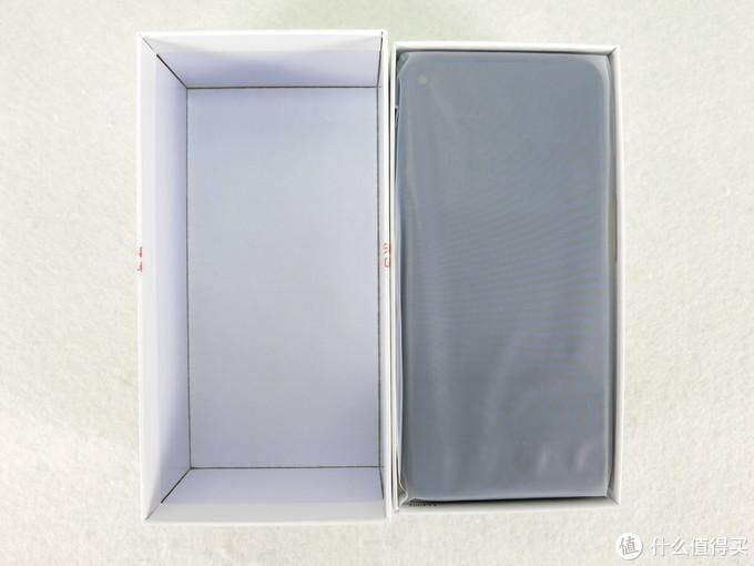 开盒,内部没有缓冲设施,意料之内