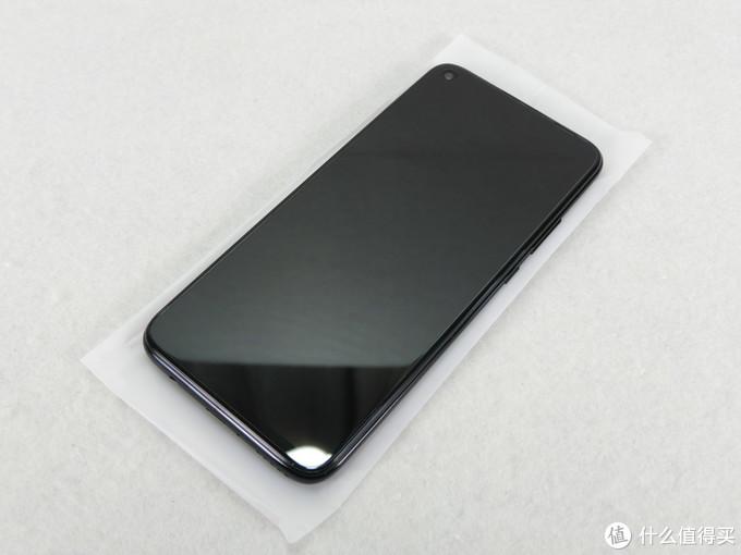 手机正面已有贴膜,免去贴膜的麻烦