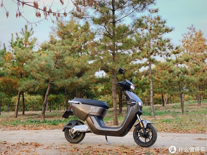 年轻人的第一台电动车,摩灵MOLINKS电动摩托车续航加倍!