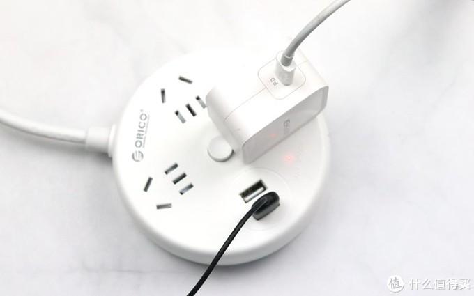 桌面必备物件,安全用电,携带方便:奥睿科多功能插线板体验