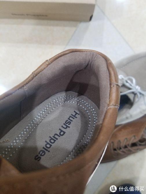 入手暇步士Hush Puppies皮质船鞋/板鞋