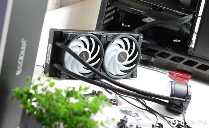 """""""芯""""如止水,""""镜""""若安澜,超频三凌镜240 CPU水冷散热器装机体验"""