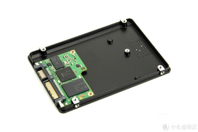 值无不言141期:固态硬盘怎么选?附高清拆盘大图,给你最直观的购买建议。