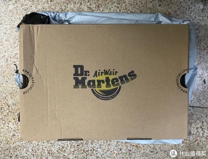 盒子有轻微折痕