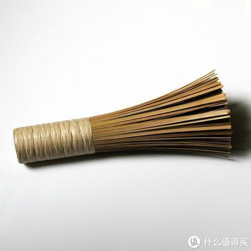 劳动人民智慧的产物,竹制锅刷,目前四川很多家庭依然在使用