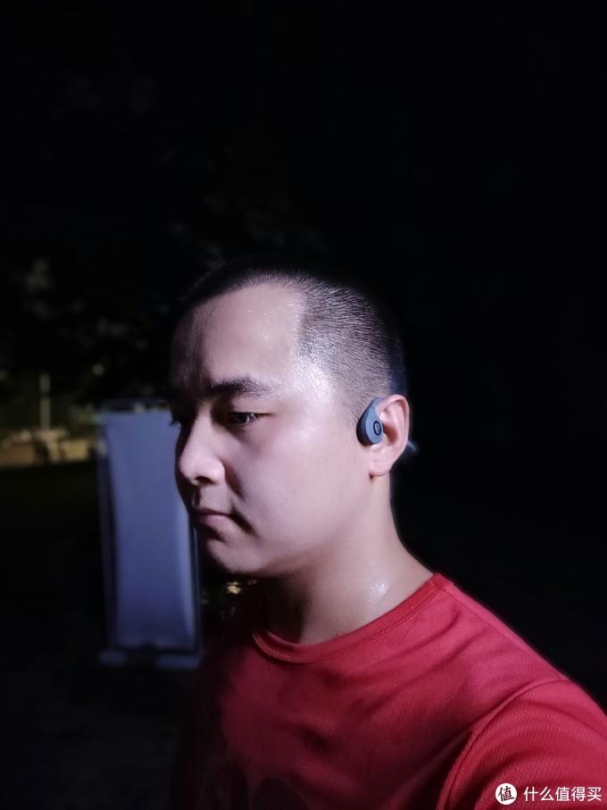 终结有束缚的夜跑,南卡Runner骨传导耳机为跑步量身打造
