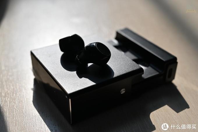 真无线耳机也能超长待机,因为南卡N2用的是3000mAh大电池盒
