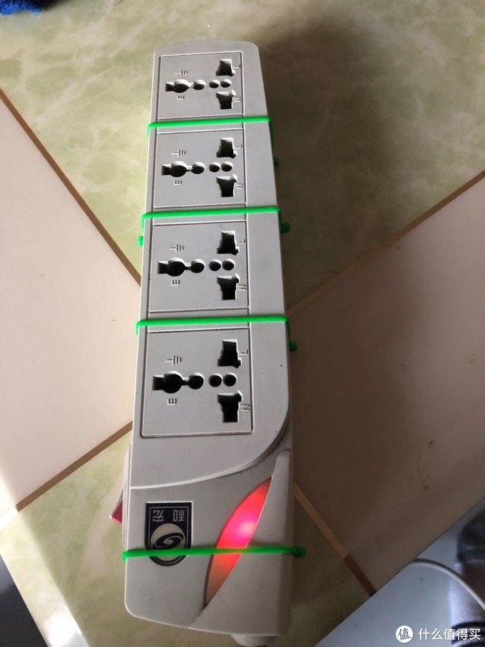 十多年前的插线板清理保养?达文西教你拆解测评及维修一个和宏牌排插