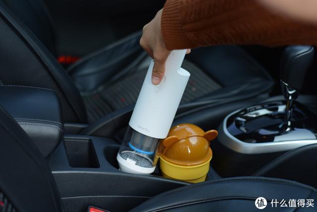 曾经小米众筹600万,这款便携吸尘器换代了,买它给车吸尘能行吗
