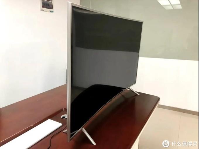三星55NUC30S电视评测:体验曲面屏的沉浸感