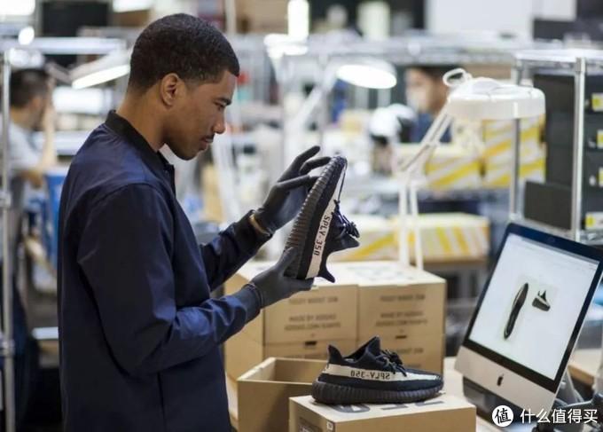 球鞋市场炒作的背后,我们消费一双球鞋时应该思考些什么?