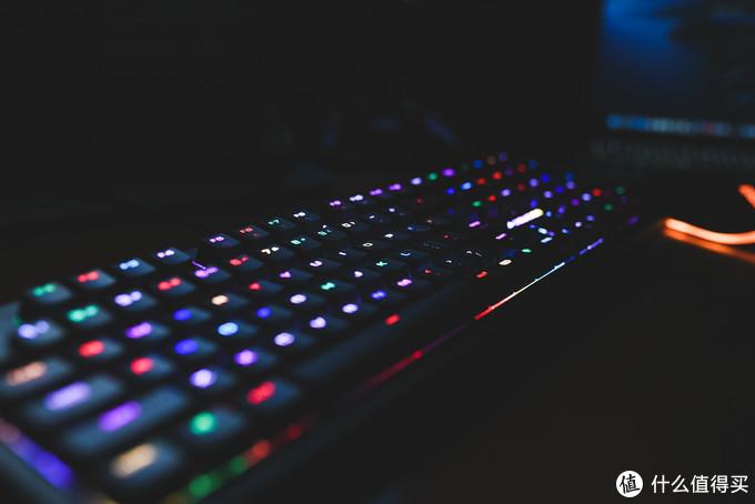 德系精工骨伽PURI RGB机械键盘,小幅改款的退烧之作