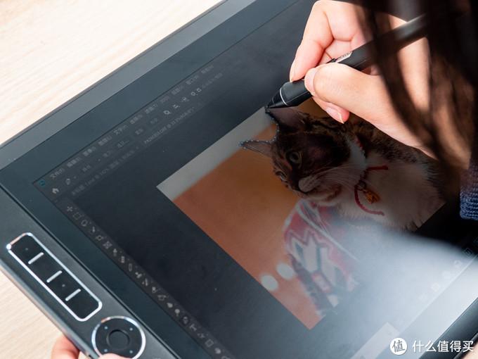 Wacom MobileStudio Pro 16运行Photoshop