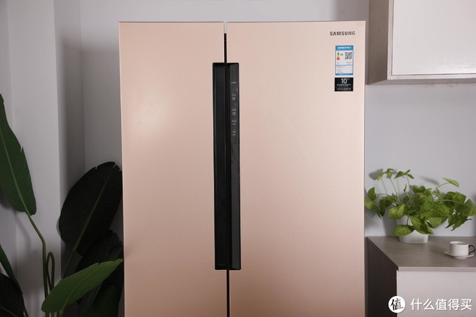 厨房颜值担当,非对开门冰箱莫属