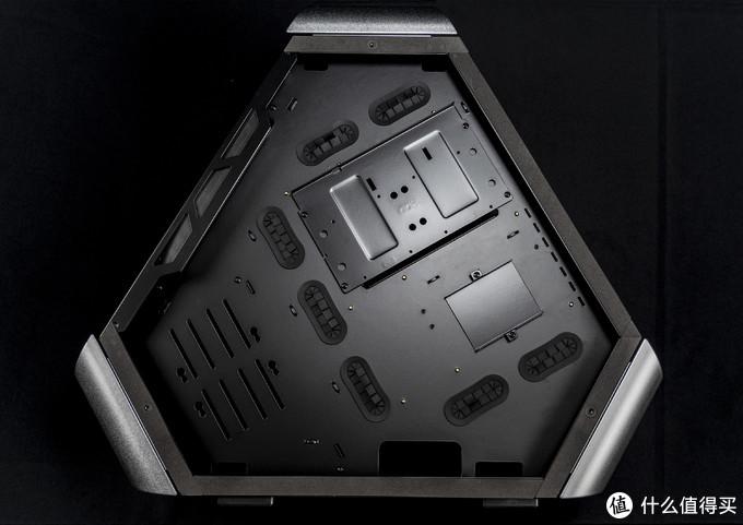 三角形的机箱装起来是种怎样的体验?