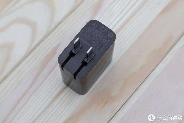 快充首选方案——ZMI紫米三口充电头,出门带一个充电器就够了!