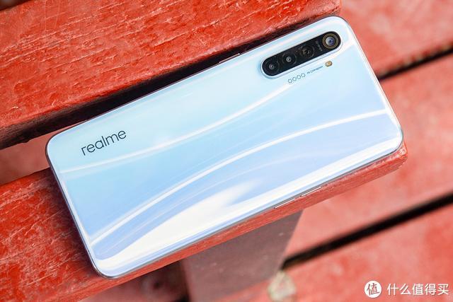realme X2手机体验:6400万主摄+骁龙730G,千元新水桶机?