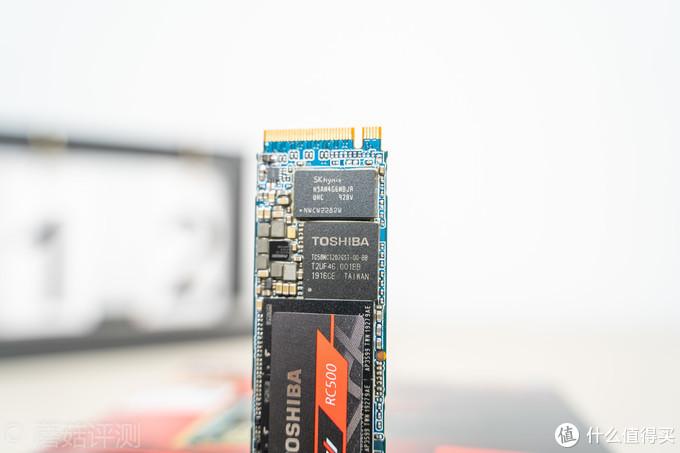 500G主流容量中端M.2固态谁更强?东芝RC500和金士顿A1000固态硬盘对比评测