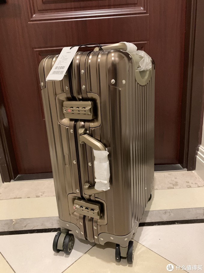 190元的LATIT铝镁合金旅行箱20寸, 值得买吗?