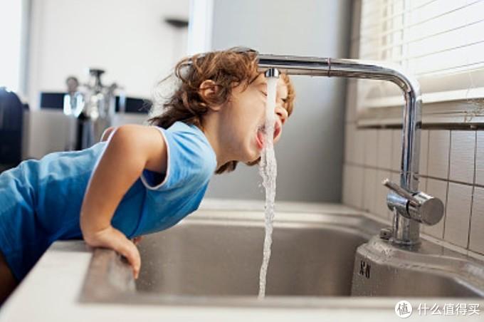 长期饮用纯净水对人身体有害?看了这几点你就明白了
