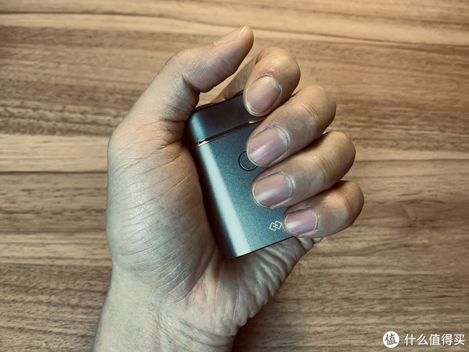 剃须刀界的翠鸟:焕醒 SG199 便携剃须刀体验
