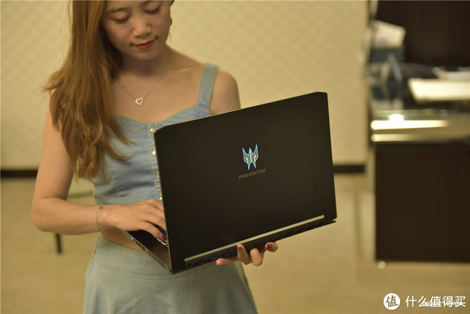 Acer掠夺者刀锋500评测:重量2.1kg 万元电竞笔记本首选|未来科技范