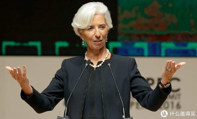 政商精英们说:跟我学这8个Pose,保证你年底升职加薪!