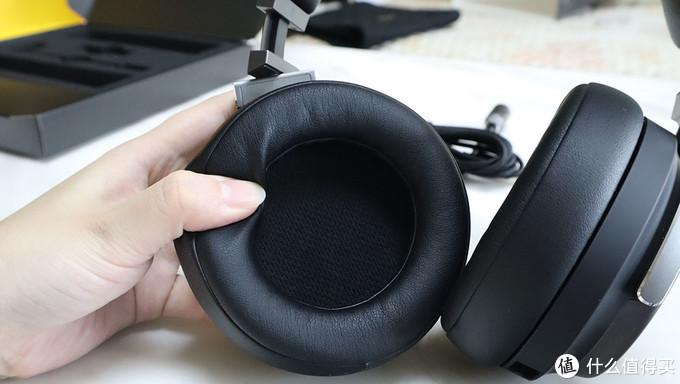 1800的耳机如何si扣细节,海盗船VIRTUOSO鉴赏家游戏耳机