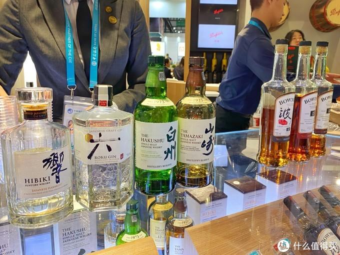 这几年日本威士忌风头很足~撸主家猪队友也是日式威士忌爱好者,受影响,撸主也会来几口。毕竟,酒是粮食精,越喝越年轻。