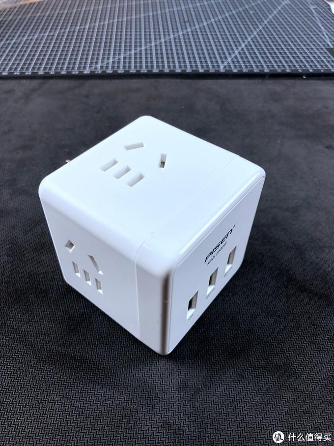出差电源充电都不愁-PISEN 品胜 KU-43 充电魔方插座转化器