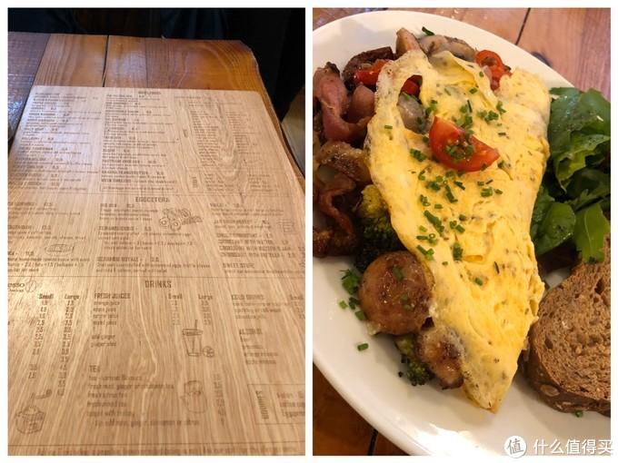菜单很有特色,走一种环保风,字刻在木板上