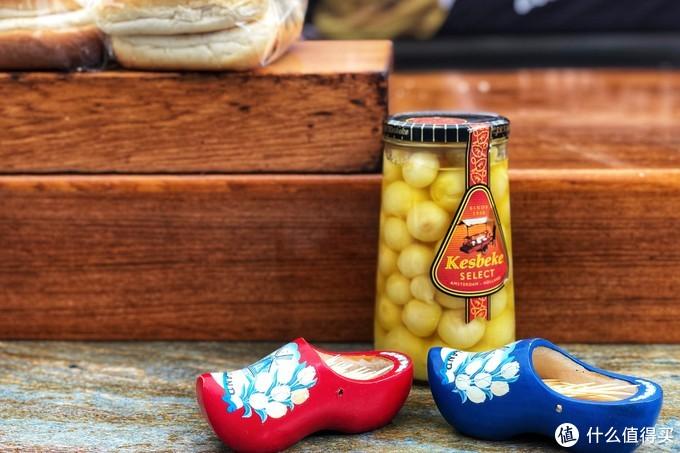 装牙签的小木鞋也是满满的荷兰特色