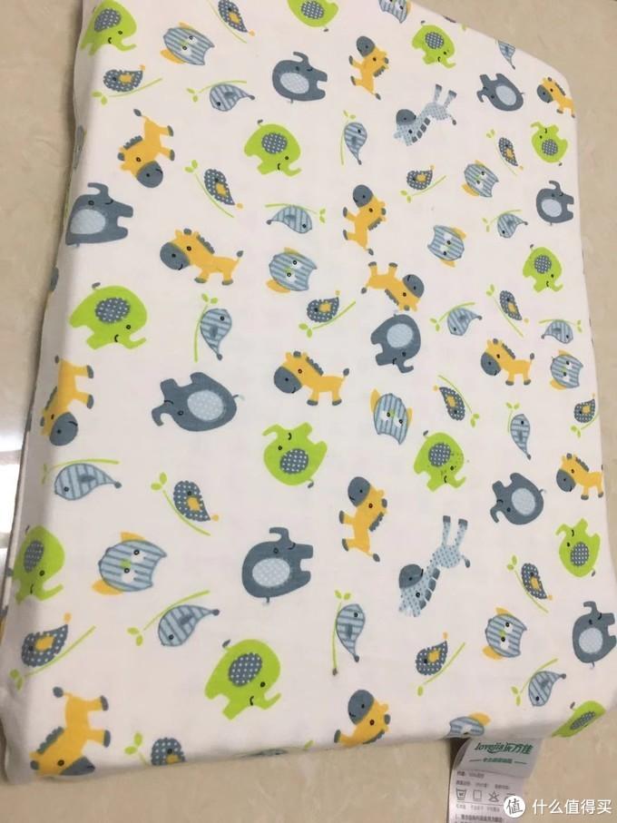 值友推荐的乳胶床垫去买了,报值友的名号还优惠和多荷兰婴儿乳胶枕。