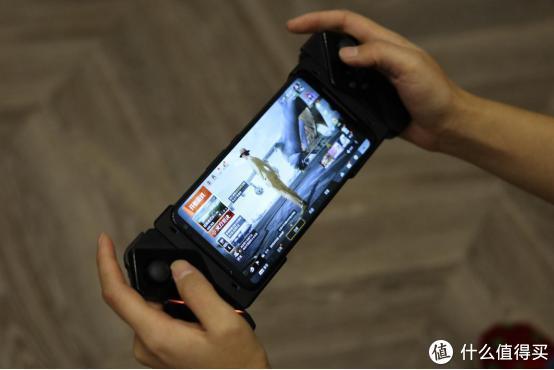 做少数派中的极致——ROG 游戏手机 2