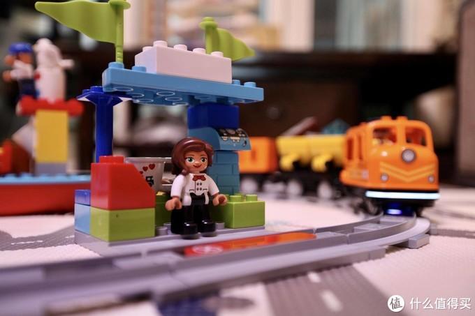 在家进行STEAM教学 乐高得宝系列之智能货运火车长测