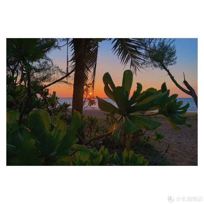 晚饭后在海边看看日落