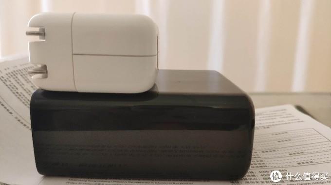 飞利浦PD快充充电宝充电头二合一新品DLP7710C开箱