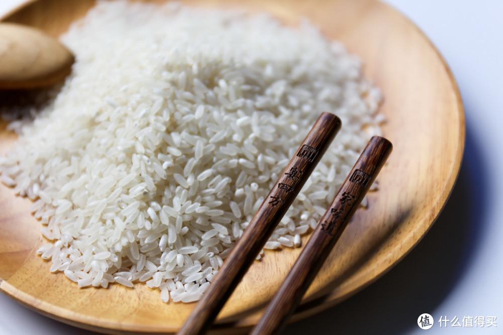 开箱,小米生态链矿泉水里长出的大米,59元2.5kg,真的好吃?