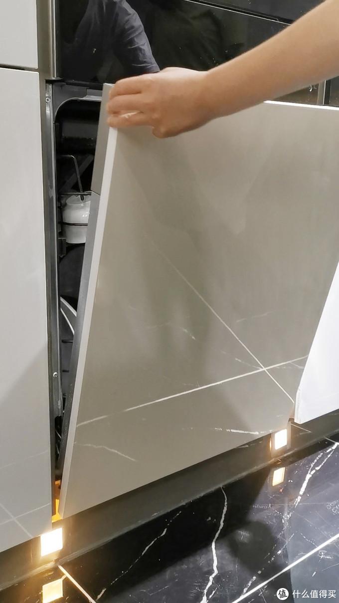 洗碗机性能和颜值怎么平衡?全嵌入式洗碗机洗涤和烘干效果测评