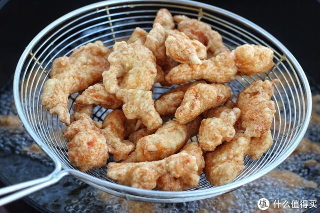 十元钱买块鸡胸肉,这样做外焦里嫩、酸甜开胃,孩子吃得直吮手指