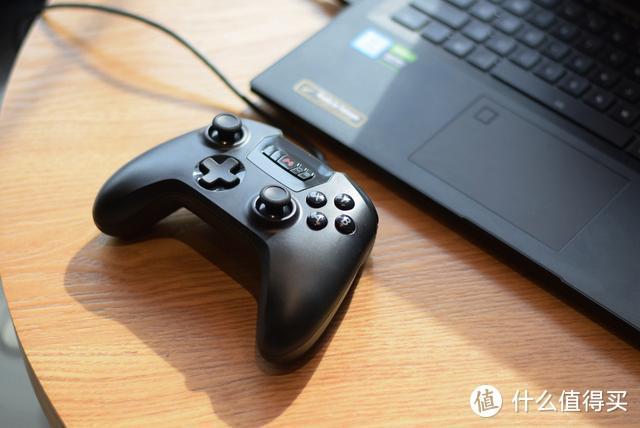 支持多端操作,三重式连发,北通推出斯巴达2有线USB游戏手柄