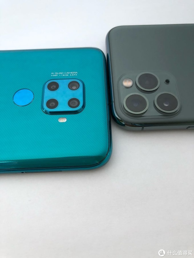 Nova 5z 翡冷翠首晒 vs iPhone 11 Pro 暗夜绿