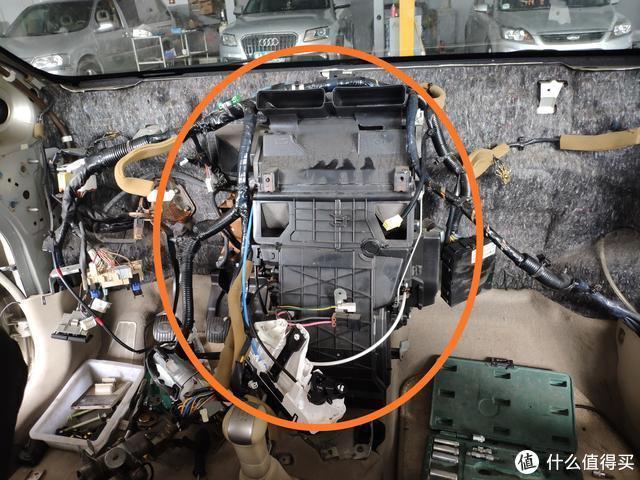 出厂13年的尼桑骐达发动机频繁高温,车主万万没想到需要拆仪表台