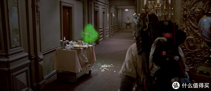 那个绿色的一坨就是史莱姆了