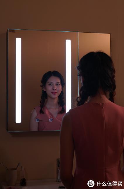万物互联时代,镜子都智能了,大白智能美妆镜柜,照见你的美