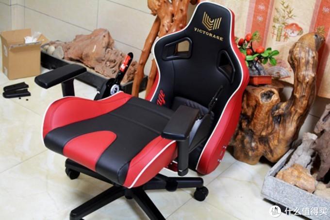 将豪车座驾设计元素融入电竞椅中,Victorage VC03开箱体验