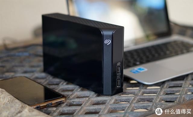 一步搭建家庭数据中心,有希捷桌面硬盘就够了