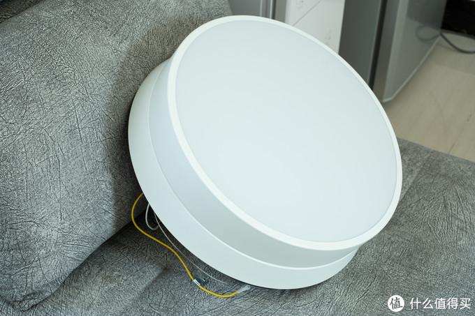 可以无极调光,又能驱散夏季的炎热感,一款可隐藏收纳扇叶的风扇灯:Yeelight逸扬智能风扇灯
