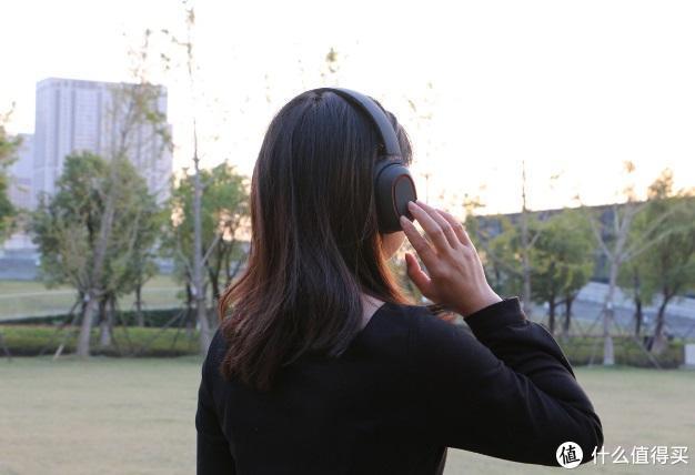 如何给妹纸拍出女神范?浩瀚卓越新品手机稳定器评测